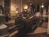 machinekamer in avondlicht